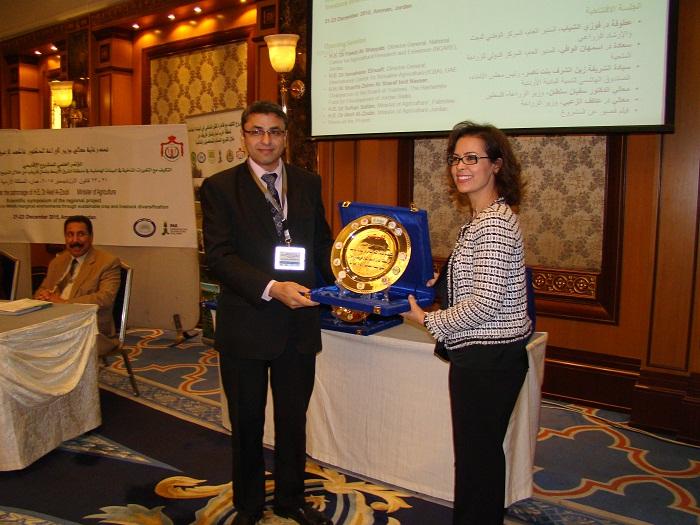 تكريم الفريق السوري لنجاحه المميز في مجال المشروع